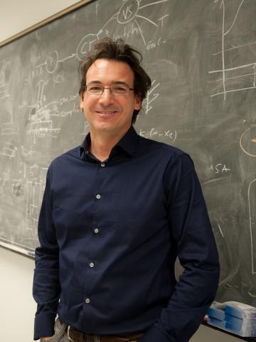 Dr. Luis Sentis