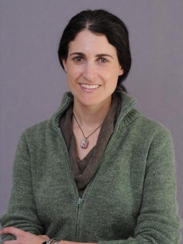 Dr. Julia Clarke
